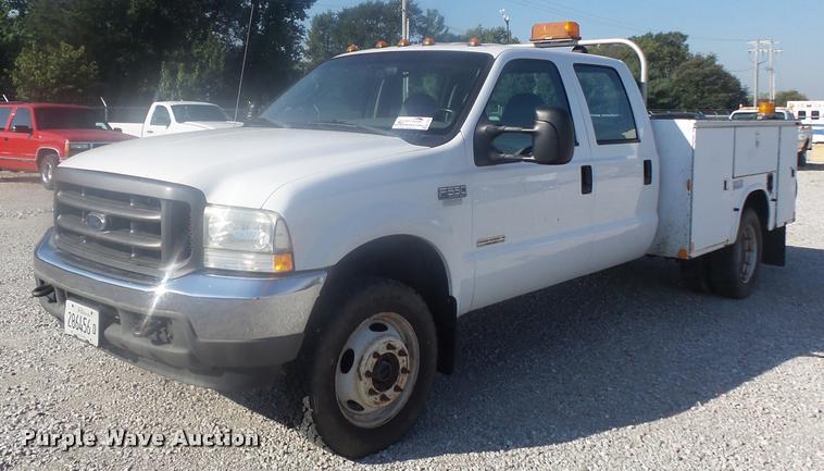 2004 Ford F550 XL Crew Cab utility bed