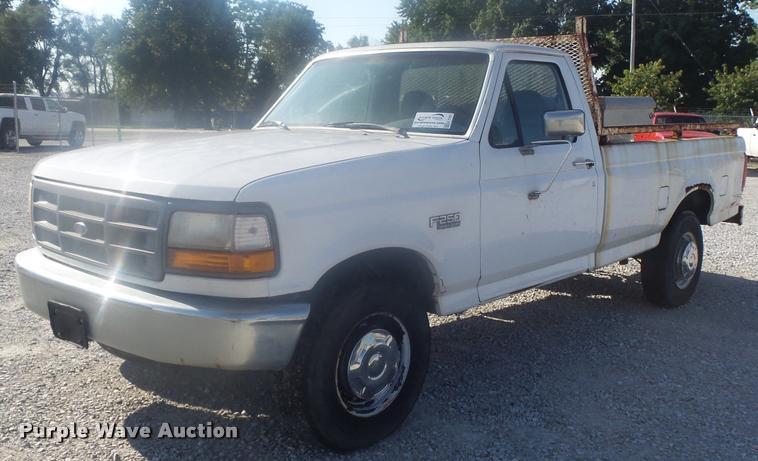 1997 Ford F250 HD pickup truck