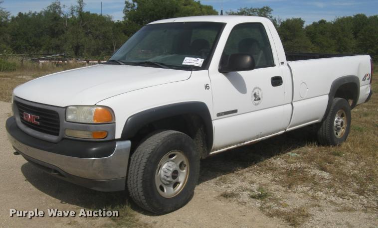2000 GMC Sierra 2500 SL pickup truck