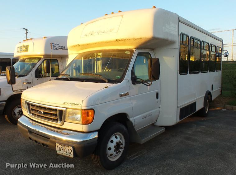 2006 Ford Econoline E450 bus