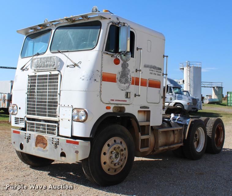 1981 Freightliner FLT-8664T semi truck