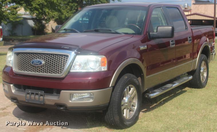 2005 Ford F150 XLT SuperCrew pickup truck