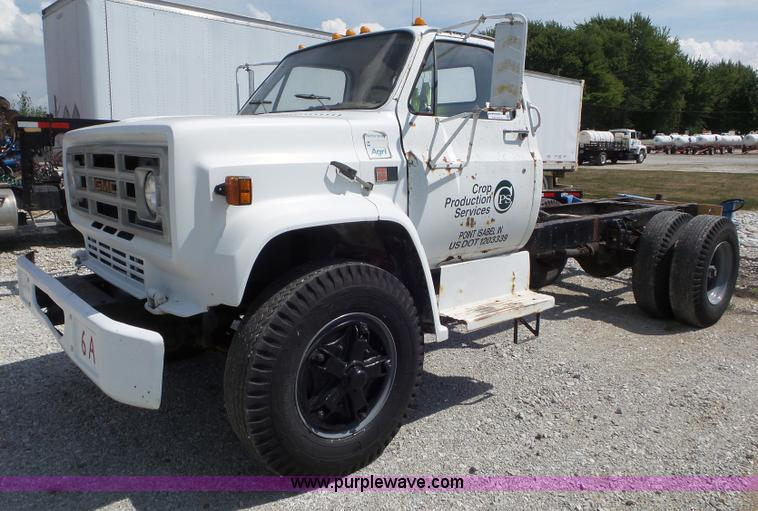 1981 GMC truck cab and chassis