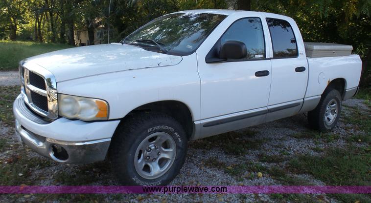 2002 Dodge Ram 1500 SLT Quad Cab pickup truck