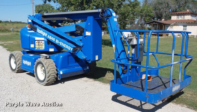2002 Up Right AB46 Bi-Energy boom lift