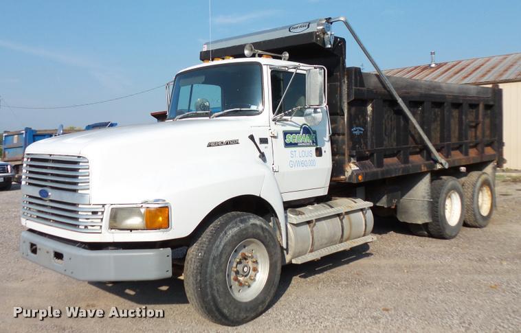 1994 Ford LTLA9000 AeroMax 120 dump truck