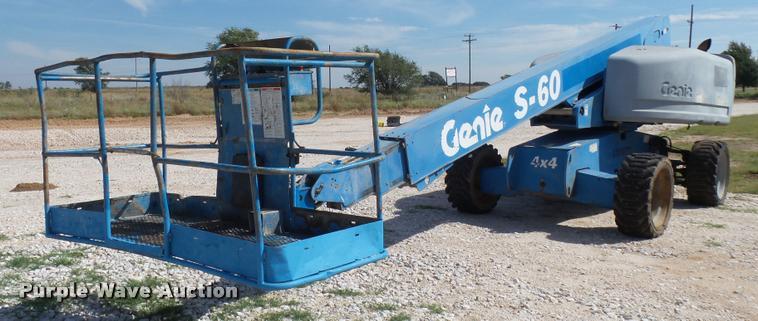2005 Genie S60 boom lift