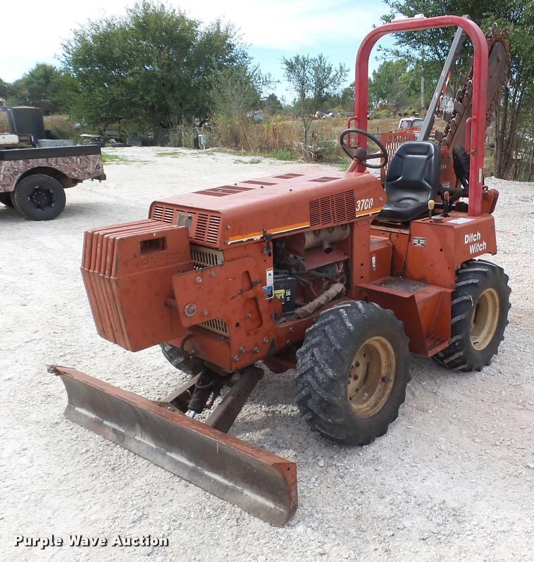 2004 Ditch Witch 3700 trencher