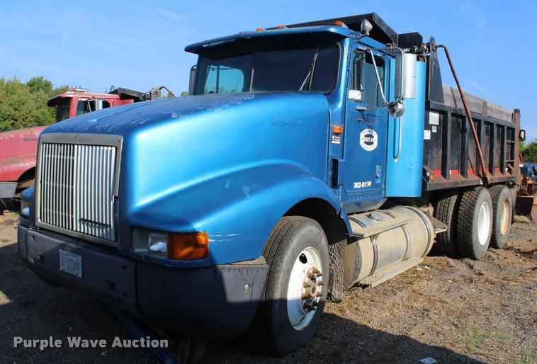 1995 International 9400 dump truck