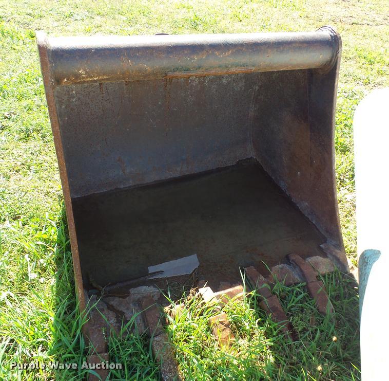 TAG excavator bucket