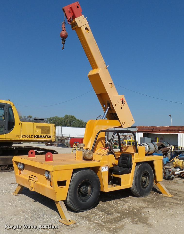 Broderson 1C-70-1A crane
