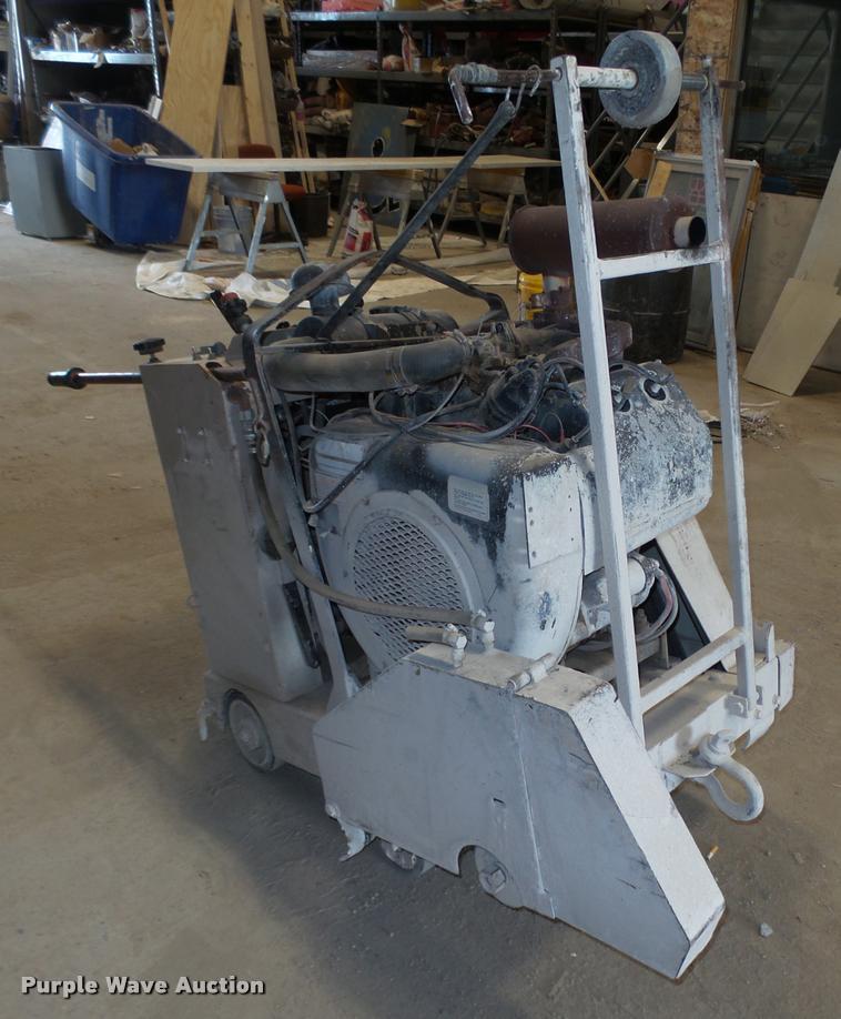 Edco SS24-35 concrete saw