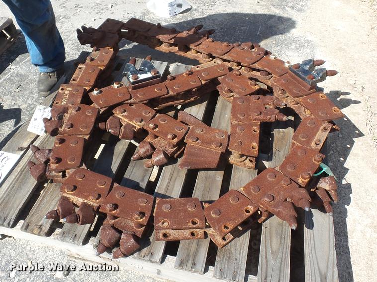 Trencher rotary combination chain