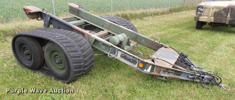 Military off-road tracked trailer