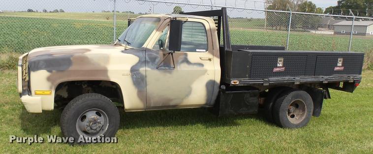 1988 GMC Sierra 3500 flatbed pickup truck