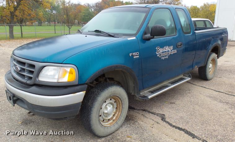 2000 Ford F150 SuperCab pickup truck