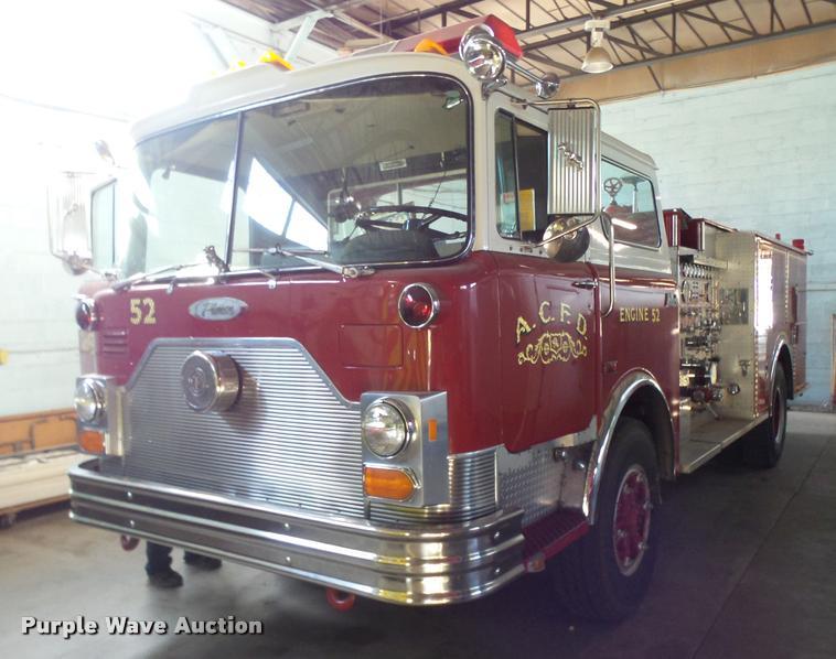 1990 Mack Pierce fire truck