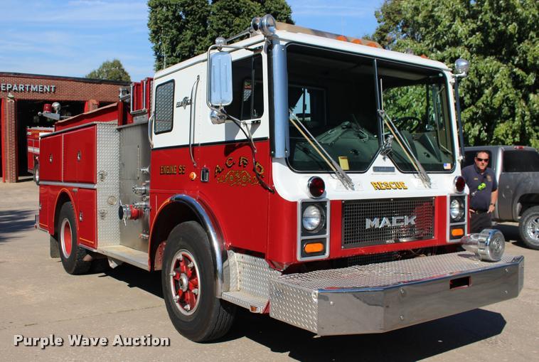 1987 Mack FC600 Firecat fire engine