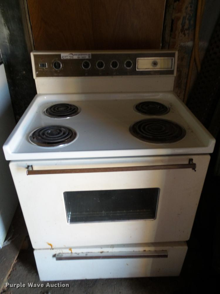 (2) stoves