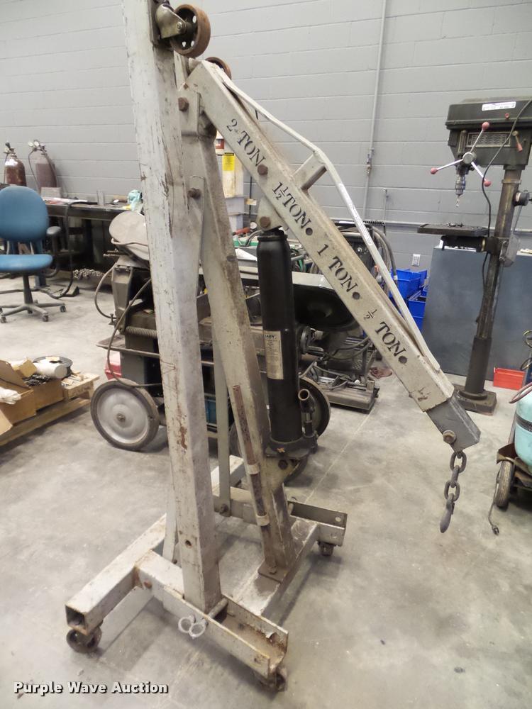 Lerin folding engine hoist