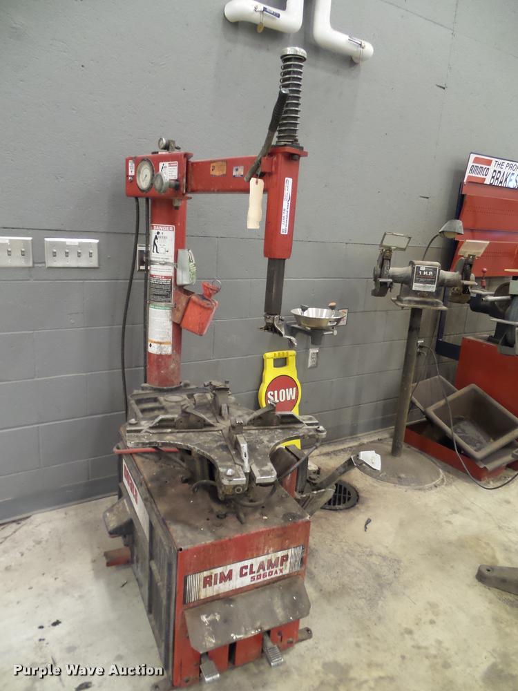 Coats 5060AX rim clamp tire machine