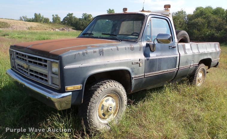 1986 Chevrolet Scottsdale 20 pickup truck