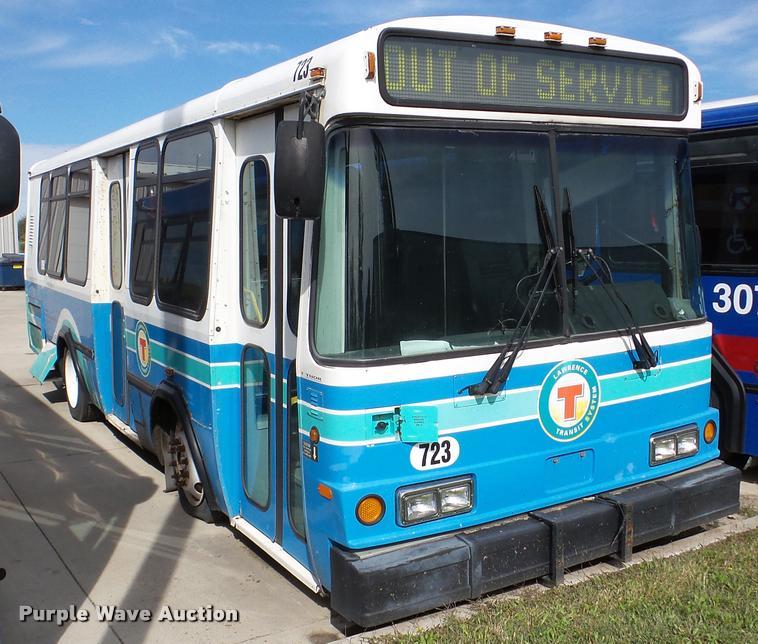 2002 Neoplan Eldorado National shuttle bus
