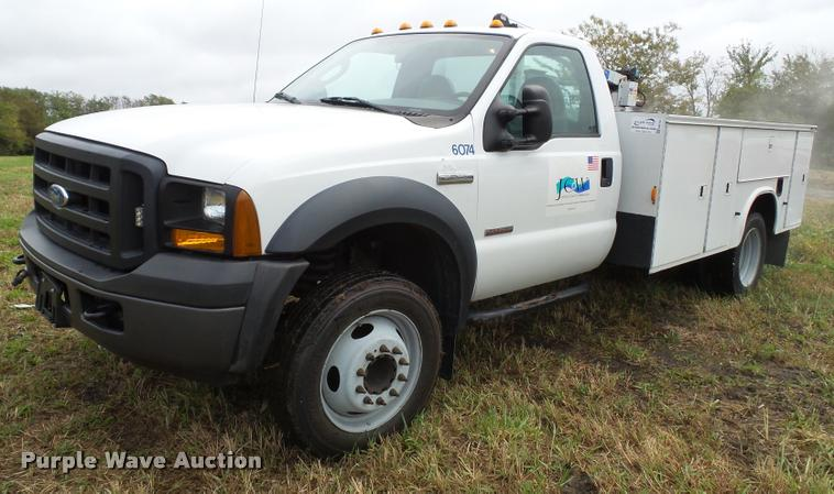 2006 Ford F550 service truck with crane
