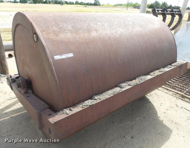 Steel roller