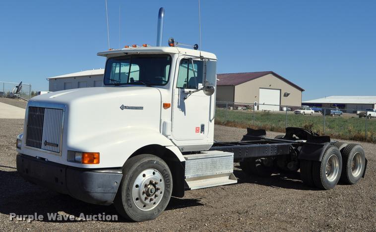 1995 International 9200 semi truck