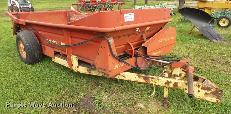 New Holland 518 manure spreader