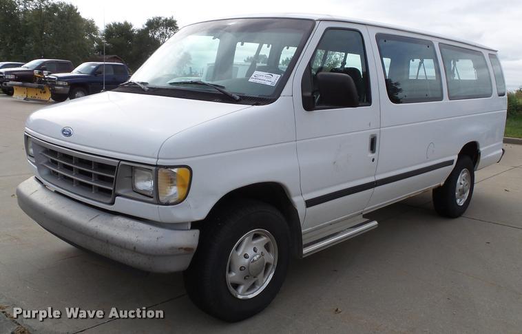 1995 Ford Club Wagon van