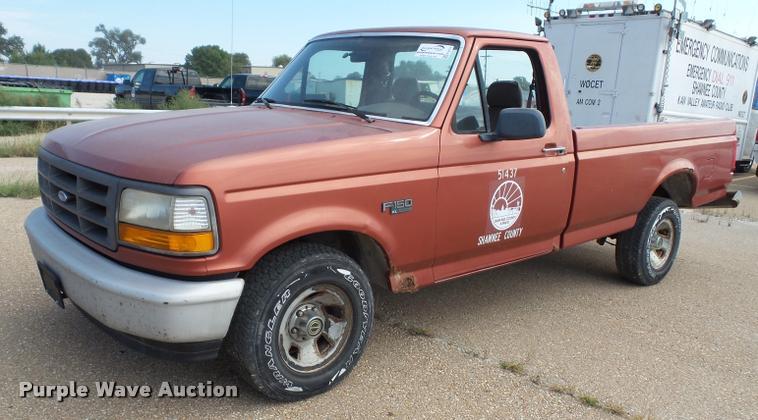 1995 Ford F150 XL pickup truck