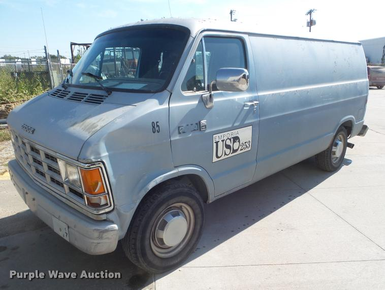 1990 Dodge Ram Van B350 van