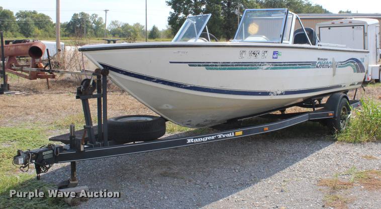 1996 Ranger Cherokee 238 v-bottom boat