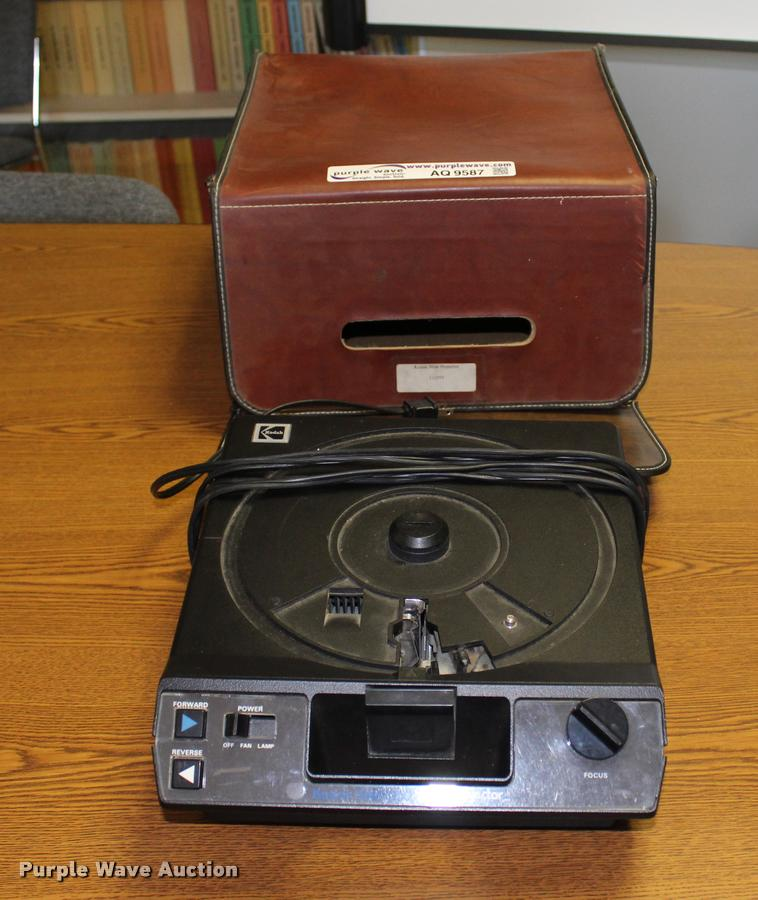 Kodak 4200 slide projector