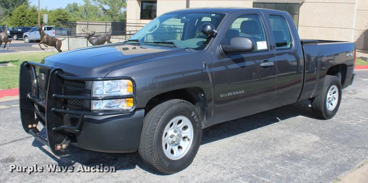 2011 Chevrolet Silverado 1500 Ext. Cab pickup truck