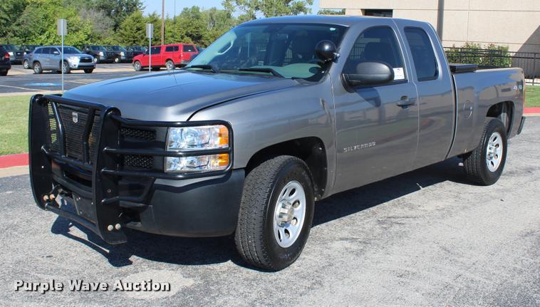 2012 Chevrolet Silverado 1500 Ext. Cab pickup truck