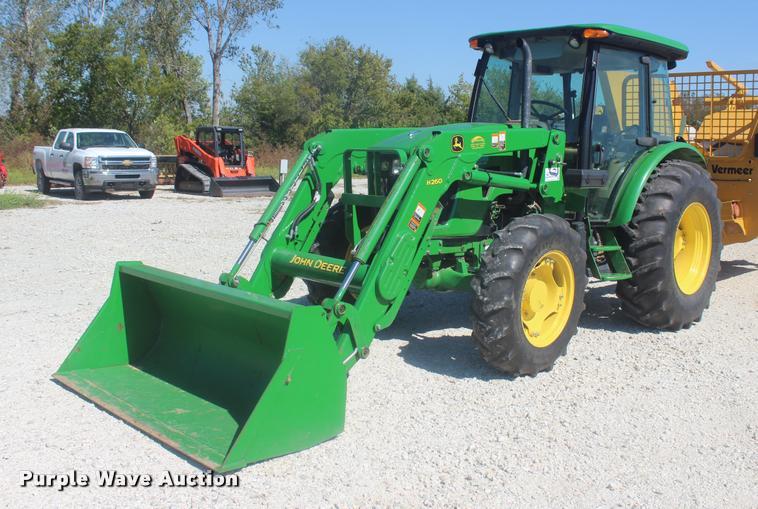 2013 John Deere 5101E MFWD tractor