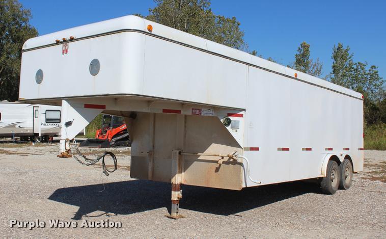 2007 WW enclosed cargo trailer