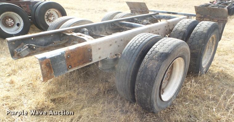 Mack truck rear end