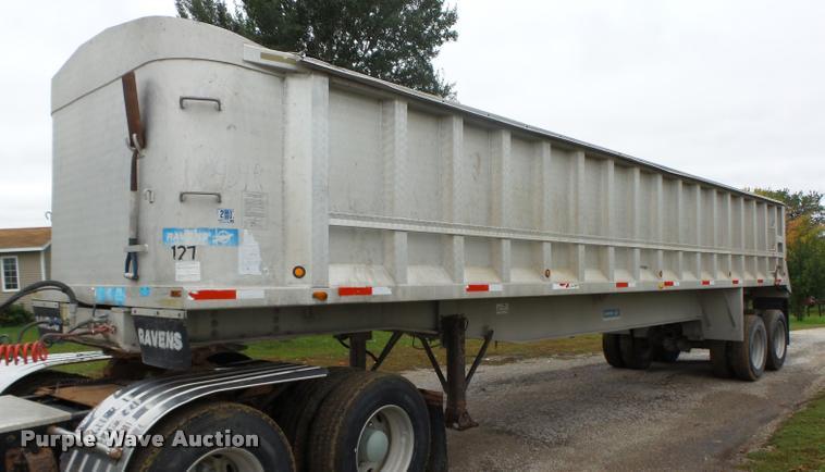 1988 Ravens end dump trailer