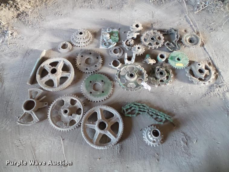 Approximately 28 John Deere chuck wagon parts