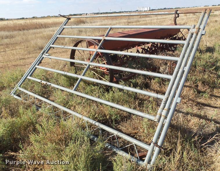 W-W panels with gates
