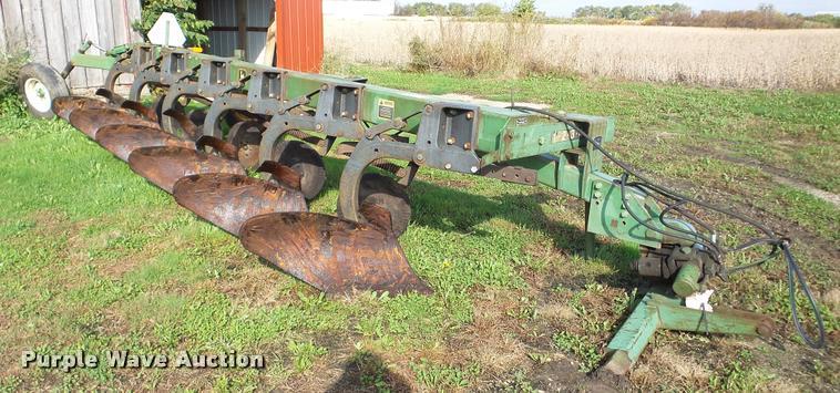 John Deere 2700 six bottom plow