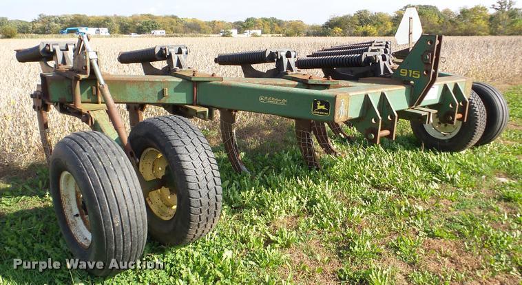 John Deere 915 V-ripper