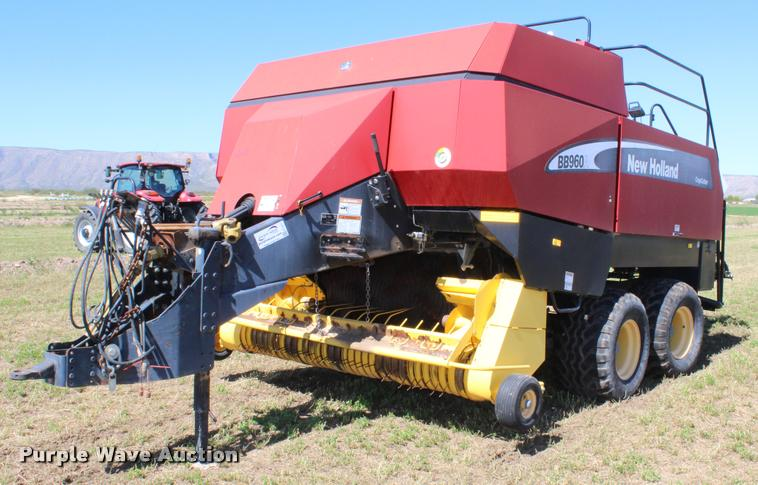 New Holland BB960A Crop Cutter large square baler