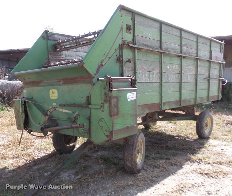 John Deere 115CW chuck wagon