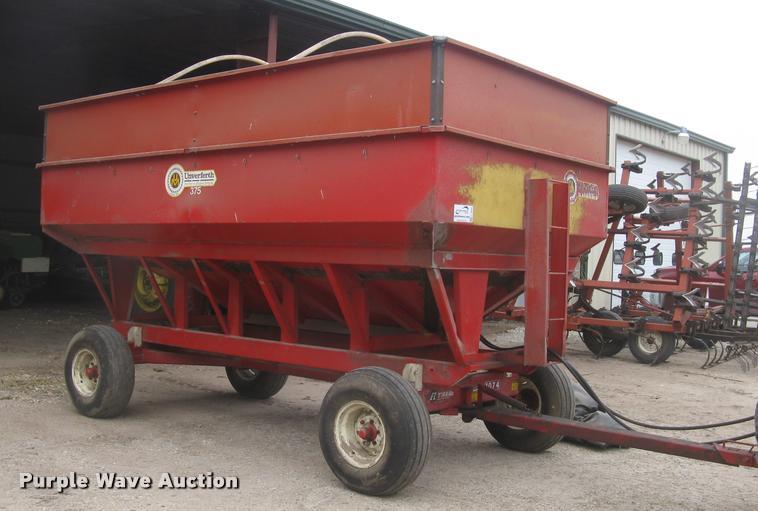 Unverferth 375 grain wagon