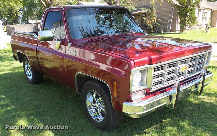 1977 Chevrolet Cheyenne 10 pickup truck